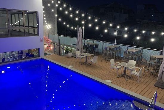 La Terraza Pool Bar